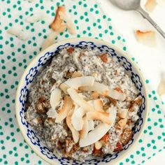 This healthy and satisfying Grain-Free Coconut Chia Porridge is a slightly different take on the soaked chia puddings since all the ingredients are cooked together just before eating and eaten warm like a grain free porridge. Chia Seed Coconut Milk, Coconut Chia Pudding, Chicken And Leek Pie, Vegan Vegetarian, Paleo, Cooking Together, Puddings, Grain Free, Glutenfree