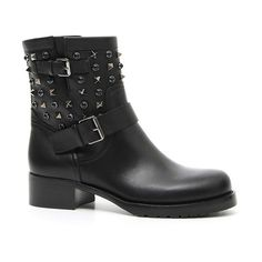 Women's Valentino 'Rockstud Rolling' Biker Boot (3 060 BGN) ❤ liked on Polyvore featuring shoes, boots, black leather, genuine leather boots, leather motorcycle boots, engineer boots, black leather shoes and motorcycle boots