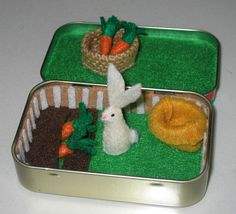 Rabbit garden play set in Altoid tin - with felt rabbit, carrots, basket and snuggle bag. So cute!