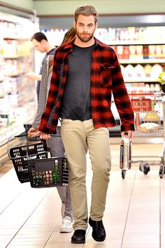 Chris Pine Goes Grocery Shopping    Chris Pine fills up a basket with groceries at a supermarket in Los Angeles on July 31. http://et.tv/GHAVfK