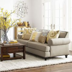 Lisa loves John: The Low Down on the White Sofa Beige Sofa Living Room, Formal Living Rooms, Home Living Room, Living Room Designs, Living Room Decor, Casa Real, Pretty Room, Room Interior Design, Room Colors