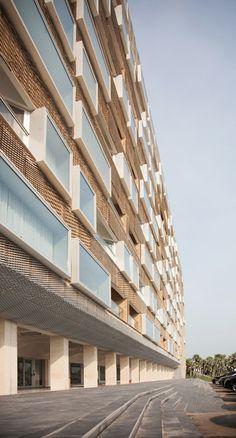 Pearl Marzouq Complex,© Sylvette Blaimont