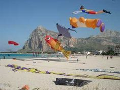 """V° International Festival Kites """"Emotions to nose up""""   From 22 to 26 May 2013 on the beautiful beach of San Vito lo Capo (Tp - Sicily) sun, wind, sea and kite displays...  http://www.scentofsicily.com/villas-in-san-vito-lo-capo.html"""