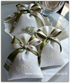 1 million+ Stunning Free Images to Use Anywhere Wedding Cake Boxes, Wedding Favor Bags, Wedding Gifts, Christmas Gift Card Holders, Christmas Cards, Première Communion, Burlap Bags, Great Teacher Gifts, Gift Hampers