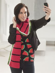 Watermelon Scarf | Ps. I HATE the pictures of the models taking selfies. They look so stupid -_-