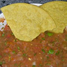 Fresh Homemade Salsa from Modern Christian Homemaker Mexican Dishes, Mexican Food Recipes, New Recipes, Cooking Recipes, Favorite Recipes, Healthy Recipes, Mexican Hat, Ninja Recipes, Vitamix Recipes