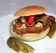 Cigánska pečienka • recept • bonvivani.sk Pulled Pork, Grilling, Beef, Dishes, Chicken, Cooking, Ethnic Recipes, Populárne Piny, Czech Food