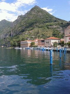 Lungolago di Marone -Lago Iseo. www.lagoiseo.com