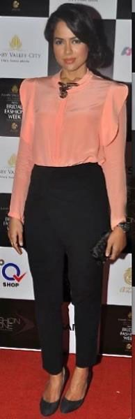 # Bollywood Celebrity outfit ideas # workwear #indian office fashion #vipazza