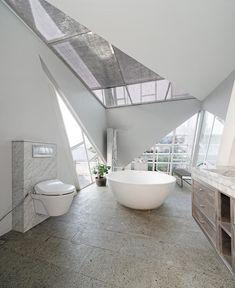 Gallery of Slanted House / Budi Pradono Architects - 12