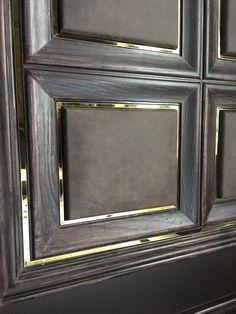 Kapı Wall Panel Design, Door Design, Wood Cladding, Wall Cladding Interior, Showroom Interior Design, Joinery Details, Classic Doors, Wall Molding, Classic Interior