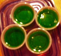 Margarita Jello Shots Strawberry Jello box) - 2 cups boiling water - 1 cups tequila (cold) - cup triple sec (cold) - cup margarita mix (cold) - I didn't have triple sec so increased margarita mix) Margarita Jello Shots, Jello Pudding Shots, Margarita Cocktail, Mixed Drinks, Fun Drinks, Yummy Drinks, Alcoholic Drinks, Beverages, Party Drinks
