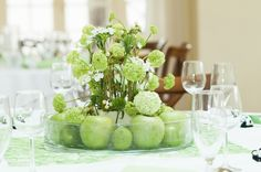 Table Decorations, Furniture, Home Decor, Pictures, Flowers, Dekoration, Decoration Home, Room Decor, Home Furnishings