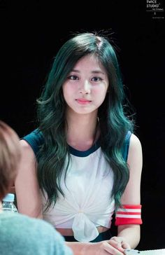 ♡ [ Official Thread of Chou Tzuyu ] NEW OP incoming! ⇀ Poll updated ⇀ The Most Beautiful Face of 2019 ヽ(♡‿♡)ノ Asian Woman, Asian Girl, Kpop Hair Color, Green Hair Girl, Cute Asian Babies, Urban Style Outfits, Most Beautiful Faces, Bollywood Girls, Girl Inspiration