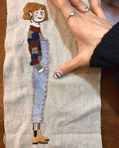 15 Ultra Talented Portrait Artists to Check Out Right Now Hand Embroidery Stitches, Modern Embroidery, Embroidery Applique, Beaded Embroidery, Cross Stitch Embroidery, Embroidery Patterns, Fabric Art, Diy Clothes, Sewing Crafts