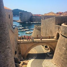 Dubrovnik Croatia City Walls © Walking the walls of Dubrovnik is an experience you should not miss when paying a visit to the Old Town. Dubrovnik's walled city is unique in that it is completely intact, giving you the chance to walk continuously along the walls right back to your starting point. Find out more here.