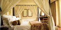 Canopy Bed Curtain Ideas | eHow.com