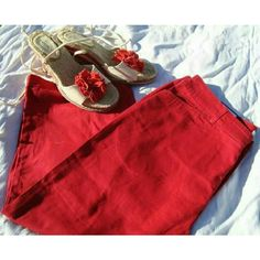 Cute Red Capris Never been worn! Would be cute for Spring or Summer. Croft & Barrow Jeans Ankle & Cropped