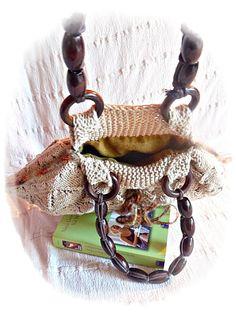 gestrickte Handtasche in beige mit grünem von Taschenatelier, €35.00
