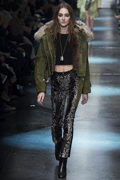 Roberto Cavalli Fall 2015 Ready-to-Wear Fashion Show