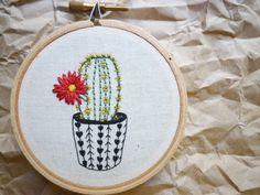 креативная современная вышивка цветы