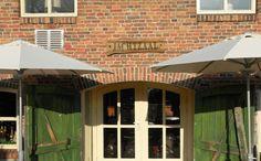Sonnenschirm Teatro ⦰ 270 cm Einfach und Schlicht. Perfect für den Garten oder Balkon. Bespannung aus 300 gr/m2 O'Bravia, Scotchguard Beschichtet, Lichtechtheit 7-8/8 Mastdurchmesser 38,0 mm. Bedienung mit Kurbel  Mehr Info's auf www.solero-sonnenschirme.at Outdoor Decor, Home Decor, Theater, Balcony, Simple, Decoration Home, Room Decor, Home Interior Design, Home Decoration