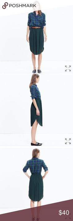 Madewell Midi skirt Dark Olive green midi skirt with pockets and a scoop hem. Casual or dressy occasions. Perfect condition non damages. All item details in the last picture. ✅offers welcome ❌no trades Madewell Skirts Midi