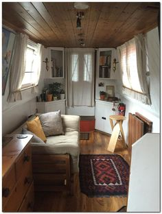 16 Caravan Interior Design Ideas www.futuristarchi… Related posts:Details of Victorian Architecture. You never really get to see floor plans of t design grian, design vacancies, interior design ideas for . House Boat, Boat House Interior, Narrowboat, Floating House, Tiny House Living, Interior, Houseboat Living, Canal Boat Interior, House Interior
