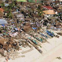 SOUTIEN AUX PHILIPPINES! Les autorités craignent plus de 10 000 morts aux Philippines après le typhon...