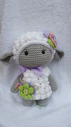 Stuffed Animals - Lilly cloud sheep - a unique product by NellyMarleen on DaWanda Crochet Sheep, Crochet Amigurumi, Amigurumi Doll, Crochet Animals, Crochet Baby, Knit Crochet, Knitted Dolls, Crochet Dolls, Dolly Doll