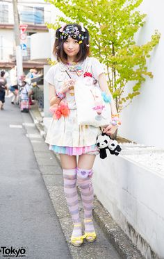 Sep 2014 : Luna is wearing a top from Candy Stripper with skirts from Candy Stripper and 6%DokiDoki. Her milkshake tote bag is from Milkfed and her sandals are from earth music & ecology. Her accessories – from 6%DokiDoki, Paris Kids, and Disneyland – include colorful pins, necklaces, candy bracelets and rings, panda plushies, and over the knee socks.