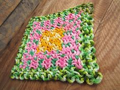 Vintage Ruffle Crochet Pot Holder for your Retro Kitschy Kitchen in Green Pink and Yellow.  I have been picking this style of crochet potholder when I can - I love them, and the colors on this one are perfect for spring Crochet Kitchen, Crochet Home, Crochet Yarn, Crochet Potholders, Knit Dishcloth, Wiggly Crochet, Vintage Crochet, Crochet Projects, Pot Holders