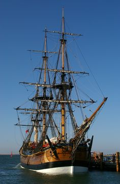Another image and link to information about the 1994 built replica of Captain James Cook's bark Endeavour. He mapped much of Australia's East Coast in sailing on the original ship built as a coal carrier in Moby Dick, Old Sailing Ships, Old Boats, Love Boat, Wooden Ship, Wooden Boats, Tall Ships, Water Crafts, Lighthouse