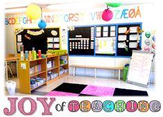 Joy of Teaching: Visit My Classroom Classroom Organization, Classroom Decor, Organizing, Writing Bulletin Boards, Beginning Of The School Year, Classroom Inspiration, Teacher Hacks, Kindergarten, Diy Projects