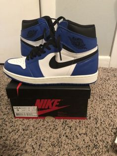 3be81b74bd1c74 Nike Air Jordan Retro 1 High OG Game Royal Blue Black White Size 9 555088-