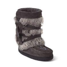 Looking for a pair of Short Wrap Manitobah Mukluks boots? Visit Quarks Shoes today for the best price on these Manitobah Mukluks boots. Ugg Winter Boots, Ugg Boots, Shoe Boots, Buy Shoes, Me Too Shoes, Unique Boots, Ski Fashion, Uggs, My Style