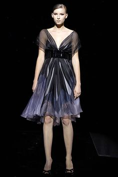 Elie Saab Fall 2007 Couture Collection Slideshow on Style.com