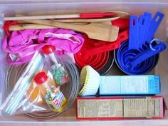 Baker's pretend play prop box via Little Wonders' Days