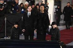 Schwerer Abschied:Céline Dion mit ihren Kindern bei der Trauerfeier von RenéAngélil
