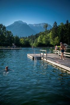 Aschauerweiherbad in Bayern Trailers Camping, Outdoor Camping, Tent Camping, Luxury Campers, Diving Lessons, Travel Images, Travel Alone, Business Travel, London England