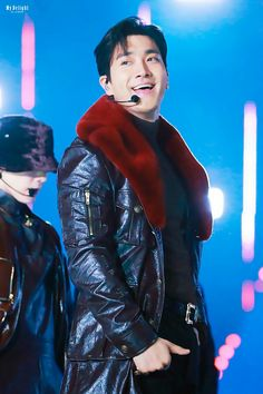 Red Leather, Leather Jacket, Siwon, Super Junior, Movie Posters, Movies, Jackets, Fashion, Studded Leather Jacket