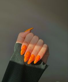 Acrylic Nails Orange, Acrylic Nails Coffin Short, Orange Nails, Coffin Nails, Orange Aesthetic, Retro Aesthetic, Acylic Nails, Super Cute Nails, Modern Nails