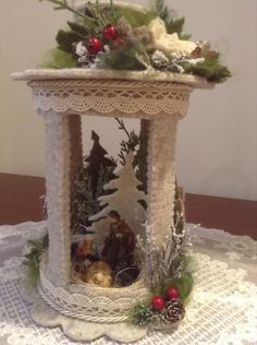 Risultati immagini per lanterne feltro pinterest Christmas Makes, Cozy Christmas, Christmas 2017, Christmas Time, Christmas Crafts, Xmas, Christmas Ornaments, Tin Can Crafts, Felt Crafts