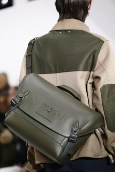 Louis Vuitton Fall 2016 Menswear Accessories Photos - Vogue