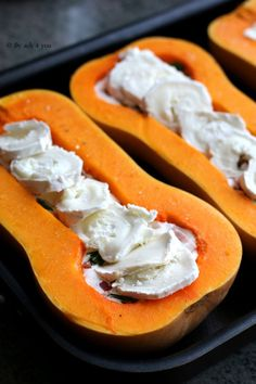 Butternut farcie lardons et chèvre in 2020 Quinoa Lunch Recipes, Healthy Chicken Recipes, Healthy Dinner Recipes, Cooking Recipes, Kohl Steaks, Drink Recipe Book, Crostini, Good Food, Yummy Food