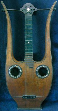 Instrumentos musicais cedo, antiguidade Guitarra Lyra por volta de 1835 Damunos