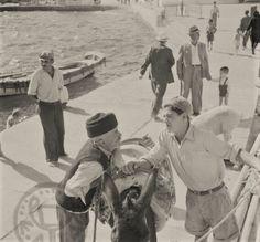 Η αίγλη του προτουριστικού Αιγαίου - Μέρος 'Α (Μύκονος) | ασσόδυο Old Time Photos, Mykonos, Painting, Vintage, Art, Art Background, Painting Art, Kunst, Paintings