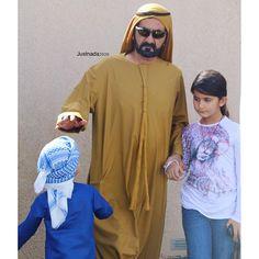 Mohammed bin Rashid bin Saeed Al Maktoum con su hija, Al Jalila bint Mohammed bin Rashid Al Maktoum, 11/12/2015. Foto: justnada2020