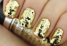 Review: Pupa Party Queen Nail Art Kit (Gold Paillettes)