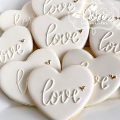Christy on - Modern Fancy Cookies, Heart Cookies, Iced Cookies, Cute Cookies, Cookies Et Biscuits, Sugar Cookies, Cookies Fondant, Royal Icing Cookies, Cupcake Cookies